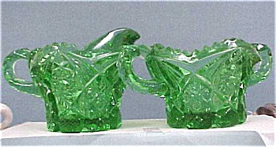 Green Glass Cream & Sugar Set (Image1)