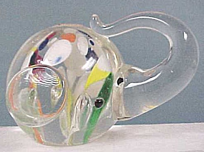 Elephant Head Glass Paperweight (Image1)