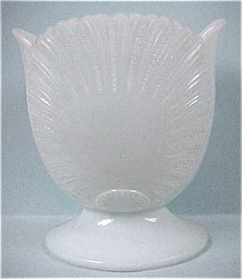 Light Blue Glass Shell Vase (Image1)