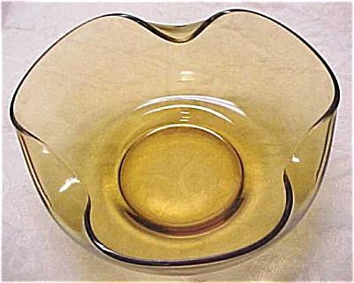 Large Olive Golden Glass Bowl (Image1)