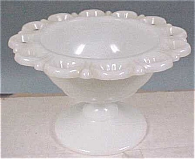 Anchor Glass Milk White Lace Edged Bowl