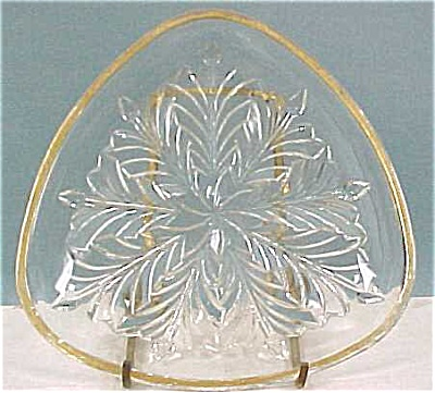 Clear Glass Triangle Dish (Image1)