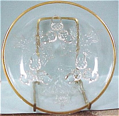 Acorn Footed Glass Dish (Image1)