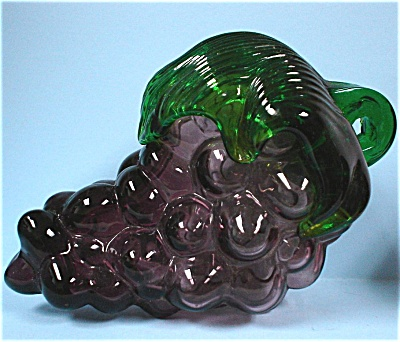 Art Glass Grape Cluster (Image1)
