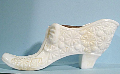 Milk Glass Daisy And Button Shoe