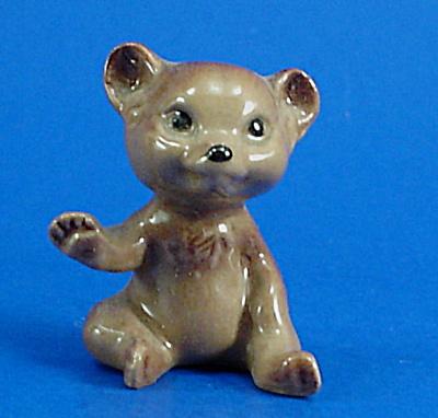 Hagen-Renaker Miniature Sitting Bear Cub (Image1)