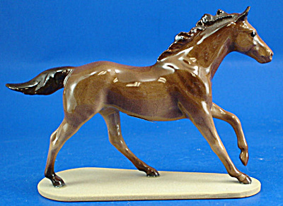 Hagen-renaker Miniature Running Thoroughbred