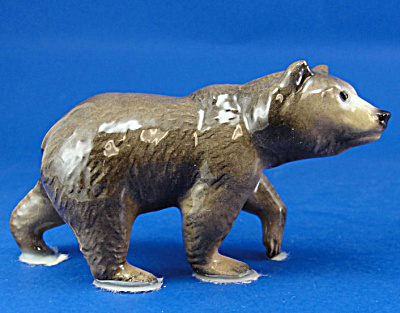 Hagen-Renaker Miniature Mama Grizzly (Image1)