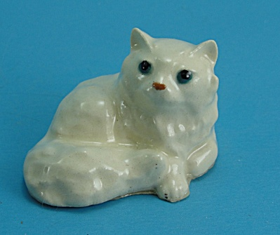Hagen-renaker Miniature Lying Persian Cat