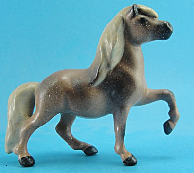 Hagen-Renaker Miniature Head Down Pony (Image1)