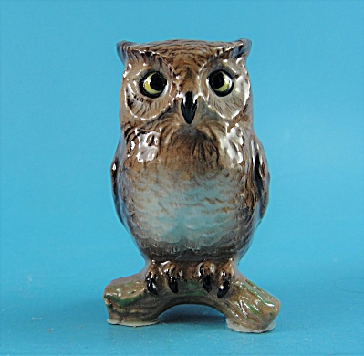 Hagen-Renaker Miniature Horned Owl (Image1)