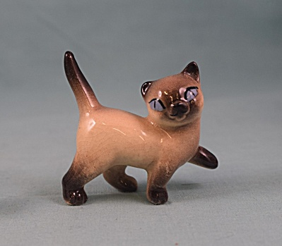 Hagen-renaker Miniature Early Walking Siamese Cat