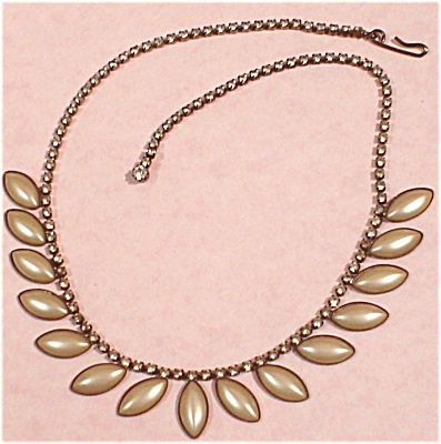 Rhinestone and Faux Pearl Cabachon Choker Necklace (Image1)