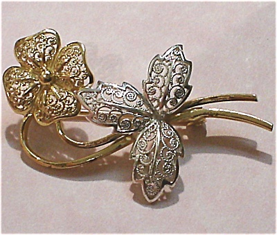 Open Filigree Flower Pin (Image1)