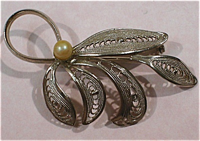 Silver Tone Filigree Leaf Pin with Faux Pearl (Image1)