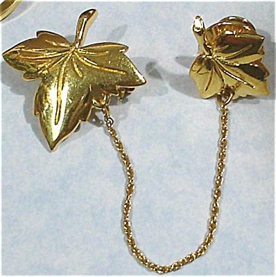 Monet Double Maple Leaf Pins (Image1)