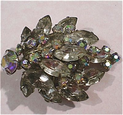 Leaf Shaped Rhinestone Cluster Pin (Image1)