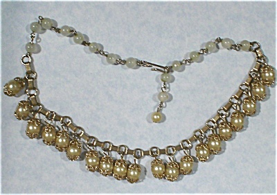 Unmarked Faux Pearl Choker (Image1)