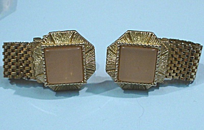 Unmarked Cufflinks (Image1)