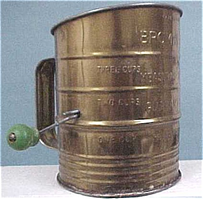 Green Wood Handled Bromwell's Sifter (Image1)