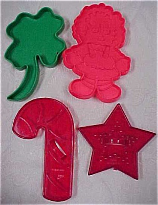 Four Assorted Plastic Cookie Cutters (Image1)