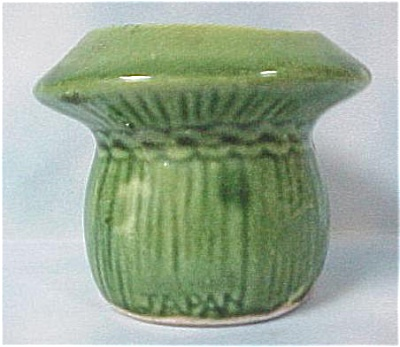Ceramic Green Wheat Bundle Toothpick Holder (Image1)