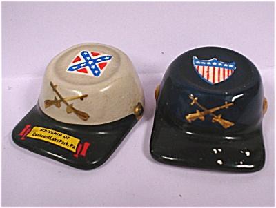 1960s Japan Ceramic Civil War Hats S/P Shakers (Image1)