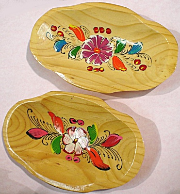 Lovely Tole Painted Wood Bowl Pair (Image1)