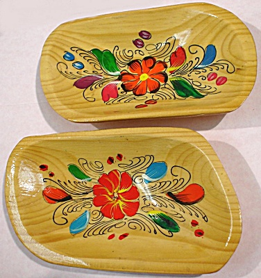 Lovely Tole Painted Wood Bowl Pair
