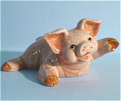 K3361c Laughing Pig (Image1)