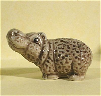 E3371 Cartoony Hippo Baby (Image1)