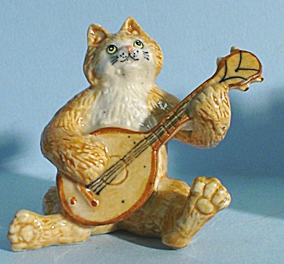 K6292a Persian Cat With Banjo