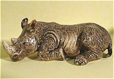 K6581a Lying Rhino (Image1)