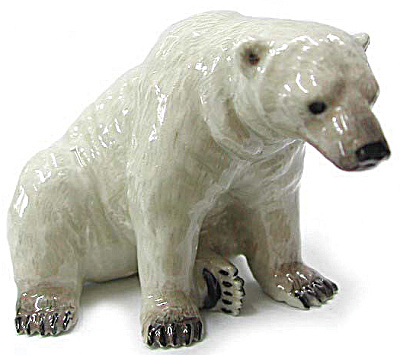 R002 Sitting Polar Bear (Image1)