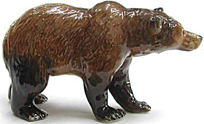 R038 Standing Grizzly Bear