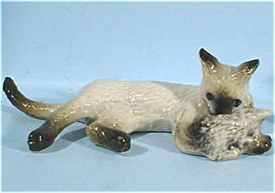K2171a Siamese Cat With Mouse (Image1)