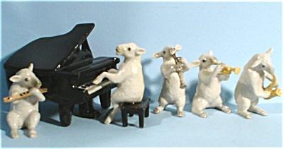 K893 Sheep Band (Image1)