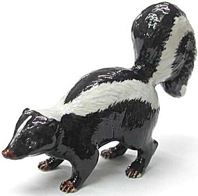 R213 Skunk (Image1)