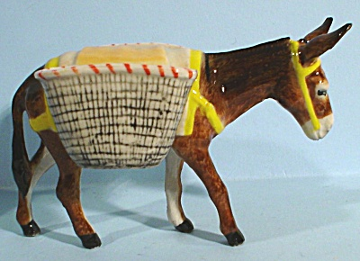 K9561b Donkey with Baskets (Image1)