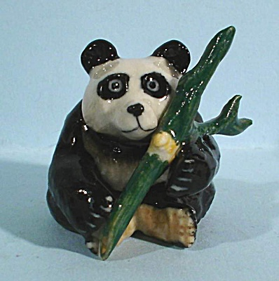 K4392 Lying Panda with Bamboo (Image1)