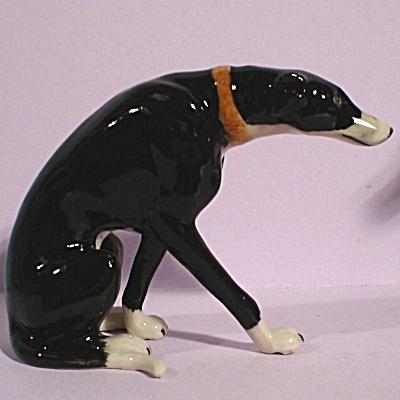 K8451 Sitting Greyhound, Black (Image1)