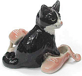 R220r Kitten with Ballet Slippers (Image1)