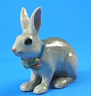 R262r Light Grey Easter Bunny With Ribbon