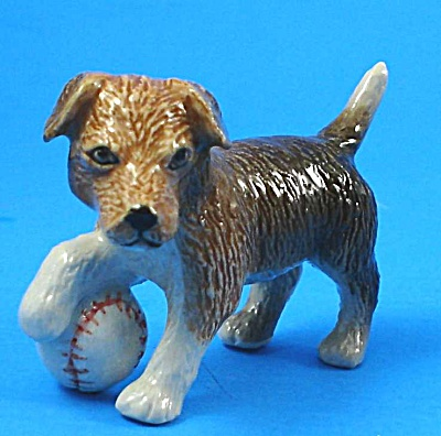 R246r Terrier Puppy with Baseball (Image1)