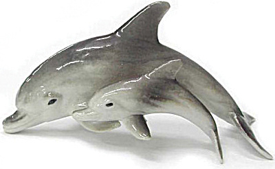 R110 Dolphin with Baby (Image1)