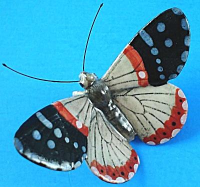 K892 Grey/Red/Black Moth (Image1)