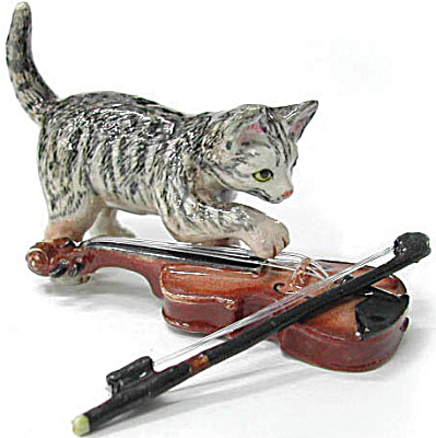 R241 Cat With Violin
