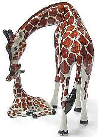 R089 Giraffe with Baby (Image1)