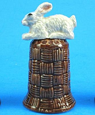 K4131 White Rabbit on Basket Thimble (Image1)