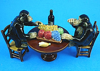 K2031 Monkey Banquet Set